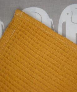 Waffle pokrivač oker