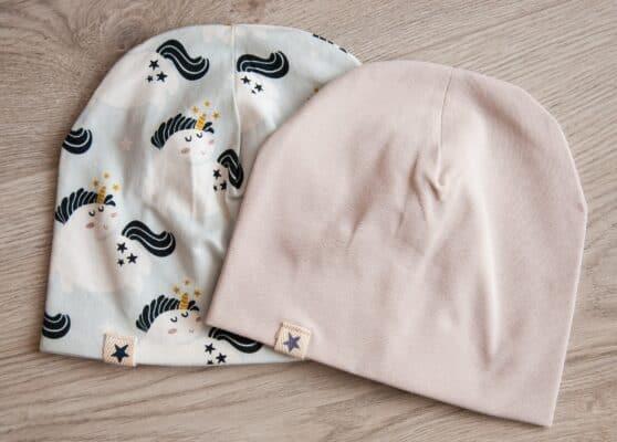 Kapica Unicorn i jednobojna krem kapica